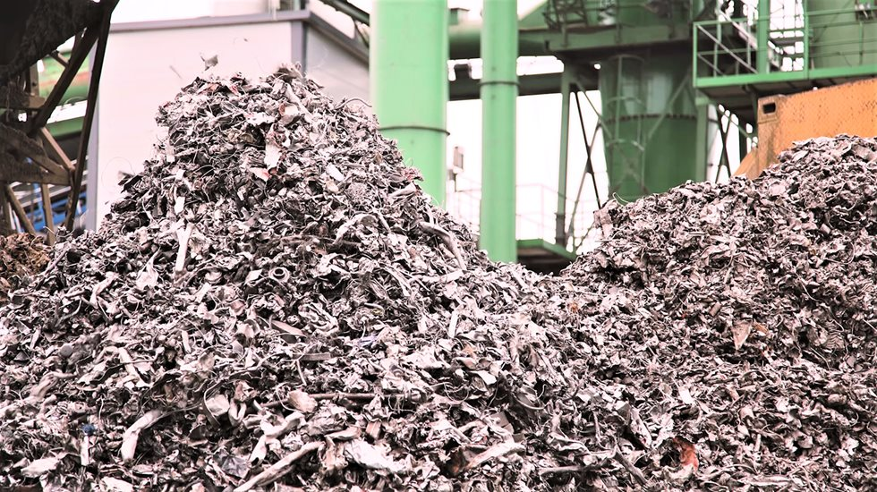 Metso SDA is a technological optimization tool that monitors and controls operating parameters so that shredder operators can focus on what they do best: taking care of the big picture.